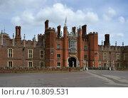 Купить «palace london thames hampton court», фото № 10809531, снято 20 июня 2019 г. (c) PantherMedia / Фотобанк Лори