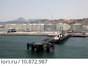 Купить «Fuel and oil storage tanks at the Tangier Mediterranean Port in Morocco», фото № 10872987, снято 17 июля 2018 г. (c) PantherMedia / Фотобанк Лори
