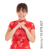 Купить «Chinese cheongsam woman greeting», фото № 10878827, снято 16 июня 2019 г. (c) PantherMedia / Фотобанк Лори