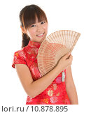Купить «Chinese cheongsam girl with fan», фото № 10878895, снято 16 июня 2019 г. (c) PantherMedia / Фотобанк Лори