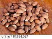Купить «heap of sweet almond seeds», фото № 10884027, снято 23 января 2018 г. (c) PantherMedia / Фотобанк Лори