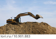 Купить «scoop construction site dredger baggern», фото № 10901883, снято 20 марта 2019 г. (c) PantherMedia / Фотобанк Лори