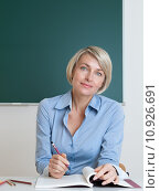 Купить «woman blonde learn class teacher», фото № 10926691, снято 23 мая 2019 г. (c) PantherMedia / Фотобанк Лори