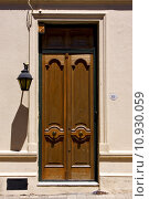 Купить « old door and a street lamp in the centre of colonia», фото № 10930059, снято 22 июля 2019 г. (c) PantherMedia / Фотобанк Лори