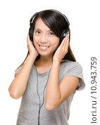 Купить «Asian woman listen music with headphone», фото № 10943759, снято 23 марта 2019 г. (c) PantherMedia / Фотобанк Лори