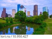 Купить «Houston Texas modern skyline from park river», фото № 10950427, снято 16 октября 2019 г. (c) PantherMedia / Фотобанк Лори