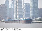 Купить «water river skyline league shanghai», фото № 11009527, снято 16 октября 2019 г. (c) PantherMedia / Фотобанк Лори