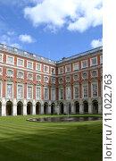Купить «palace london ambulatories hampton court», фото № 11022763, снято 20 июня 2019 г. (c) PantherMedia / Фотобанк Лори