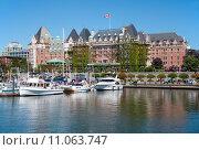 Купить «The Empress Hotel, Victoria, British Columbia, Canada», фото № 11063747, снято 21 июля 2019 г. (c) PantherMedia / Фотобанк Лори