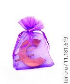 Символ евро в подарочной упаковке. Стоковое фото, фотограф Наталья Буравлева / Фотобанк Лори