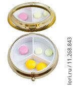 Купить «compact pill box with several tablets», фото № 11268843, снято 21 февраля 2018 г. (c) PantherMedia / Фотобанк Лори