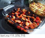 Купить «red cuisine cooking kitchen roast», фото № 11370715, снято 20 сентября 2019 г. (c) PantherMedia / Фотобанк Лори