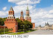 Купить «Красная площадь, ГУМ и башни кремля в солнечный день», фото № 11392987, снято 8 июля 2015 г. (c) Astroid / Фотобанк Лори