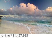Купить «sunset above the sea», фото № 11437983, снято 15 сентября 2019 г. (c) PantherMedia / Фотобанк Лори