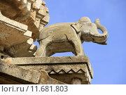 Купить «Saluting Stone Elephant», фото № 11681803, снято 26 сентября 2018 г. (c) PantherMedia / Фотобанк Лори