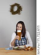 Купить «woman wheat beer bavaria yeast», фото № 11722611, снято 19 декабря 2018 г. (c) PantherMedia / Фотобанк Лори