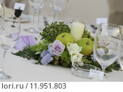 Купить «flower centerpiece for wedding table», фото № 11951803, снято 20 октября 2018 г. (c) PantherMedia / Фотобанк Лори