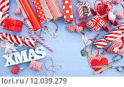 Купить «blue red christmas xmas stripe», фото № 12039279, снято 16 августа 2018 г. (c) PantherMedia / Фотобанк Лори