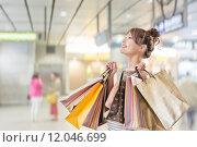 Купить «Shopping girl», фото № 12046699, снято 21 февраля 2019 г. (c) PantherMedia / Фотобанк Лори