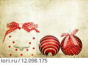 Купить «Vintage decoration with red Christmas balls», фото № 12098175, снято 17 июня 2019 г. (c) PantherMedia / Фотобанк Лори
