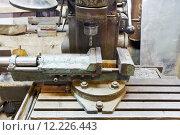 Купить «vice and drill of old boring machine close up», фото № 12226443, снято 16 июля 2019 г. (c) PantherMedia / Фотобанк Лори