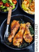Купить «Chicken legs», фото № 12350627, снято 16 июля 2019 г. (c) PantherMedia / Фотобанк Лори