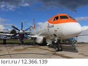 Купить «Ил-114 - Российский двухмоторный турбовинтовой самолет для местных авиалиний, Международный авиационно-космический салон МАКС-2015», эксклюзивное фото № 12366139, снято 29 августа 2015 г. (c) Алексей Гусев / Фотобанк Лори