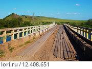 Старый деревянный мост через речку. Стоковое фото, фотограф Светлана Швенк / Фотобанк Лори