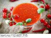 Купить «Томатный соус», фото № 12607715, снято 3 сентября 2015 г. (c) Peredniankina / Фотобанк Лори
