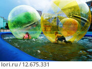 Дети в бассейне. Стоковое фото, фотограф Светлана Швенк / Фотобанк Лори