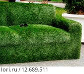 Декоративный диван из травы. Стоковое фото, фотограф Наталья Буравлева / Фотобанк Лори