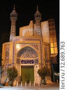 Купить «Мечеть в городе Тегеран ночью. Исламская республика Иран.», фото № 12689763, снято 9 августа 2015 г. (c) Денис Козлов / Фотобанк Лори