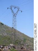 Купить «Опора линии электропередачи», фото № 12696387, снято 1 мая 2013 г. (c) Надежда Болотина / Фотобанк Лори