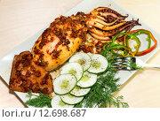 Купить «Кальмар фаршированный рисом и овощами», фото № 12698687, снято 16 сентября 2015 г. (c) Татьяна Ляпи / Фотобанк Лори