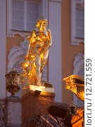 Купить «Петергоф. Скульптура большого каскада. Пандора», эксклюзивное фото № 12721559, снято 12 сентября 2015 г. (c) Литвяк Игорь / Фотобанк Лори