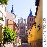 Street with Cathedral at Astorga in summer. Стоковое фото, фотограф Яков Филимонов / Фотобанк Лори