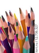 Цветные карандаши изолированные на белом фоне. Стоковое фото, фотограф Кирилл Пономарёв / Фотобанк Лори