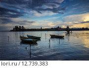 Лодки у берега Ладожского озера. Стоковое фото, фотограф Наталья Гарнелис / Фотобанк Лори
