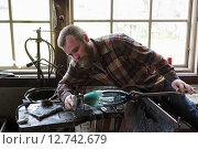 Купить «Transjö, Sweden, Lars Glasblaeser Skulberg at work», фото № 12742679, снято 17 апреля 2014 г. (c) Caro Photoagency / Фотобанк Лори