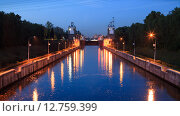 Купить «Шлюз канала им. Москвы №8», фото № 12759399, снято 25 сентября 2015 г. (c) Донцов Евгений Викторович / Фотобанк Лори
