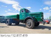Купить «Старый грузовик Sisu на параде ретроавтомобилей. Керимяки, Финляндия», фото № 12817419, снято 6 июня 2015 г. (c) Виктор Карасев / Фотобанк Лори