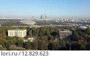 Купить «Пейзаж Москвы с высоты», фото № 12829623, снято 26 сентября 2015 г. (c) Дмитрий Никитин / Фотобанк Лори