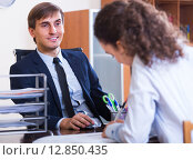 Купить «professional teaching new employee», фото № 12850435, снято 1 апреля 2020 г. (c) Яков Филимонов / Фотобанк Лори