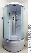 Душевая кабина в ванной комнате, фото № 12853395, снято 21 мая 2014 г. (c) Евгений Ткачёв / Фотобанк Лори