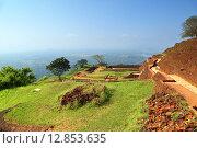Купить «Руины крепости на вершине Сигирия. Шри-Ланка», фото № 12853635, снято 20 марта 2015 г. (c) Михаил Коханчиков / Фотобанк Лори