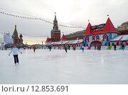Купить «Москва. ГУМ-каток на Красной площади», эксклюзивное фото № 12853691, снято 3 декабря 2013 г. (c) Елена Коромыслова / Фотобанк Лори