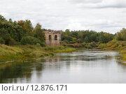 Заброшенная электростанция на реке Нерль. Стоковое фото, фотограф Косоуров Юрий / Фотобанк Лори
