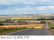 Асфальтовое шоссе в средней полосе России. Стоковое фото, фотограф Косоуров Юрий / Фотобанк Лори