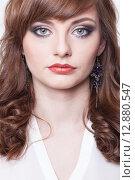Купить «Портрет красивой девушки с ярким макияжем», фото № 12880547, снято 19 ноября 2018 г. (c) Efanov Aleksey / Фотобанк Лори