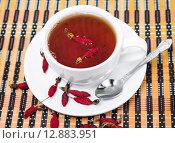 Купить «Чай с шиповником», фото № 12883951, снято 6 октября 2015 г. (c) Алёшина Оксана / Фотобанк Лори
